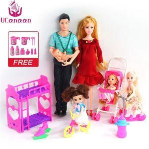 Ucanaan 6 pessoas Família boneca ternos mãe / pai / filho bebê / kelly / carruagem garotas brinquedos moda brinquedos garoto de boneca grávida y200111