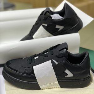 Nuevos entrenadores de plataformas en relieve VL7N Hombres Mujeres Triple S zapatos Negro Blanco Suede Cuero Reflectante Zapatillas de encaje Zapatos de vestir con caja