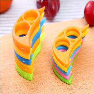 Plastic Orange Peelers Lemon Grapefruit Fruit Slicer Opener Cutter Quickly Stripping Kitchen Tool Kitchen Gadgets