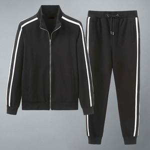 2020 Nuevo diseñador para hombre Trajes de verano Camiseta de verano Pantalón deportivo Ropa deportiva Conjuntos de moda de manga corta corriendo Correr Corriente de alta calidad Talla grande W24