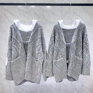Women's casual hooded knitted coat grey white hat horn buckle