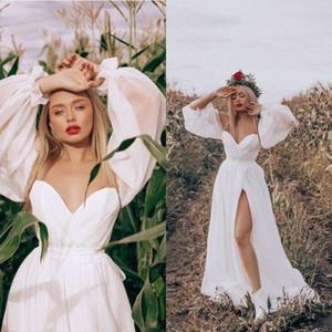 2021 Bohemian White Wedding Dresses Sexy Front High Slit Sweetheart Neckline Long Sleeves Off Shoulder Boho Beach Bridal Dress Wedding Gowns