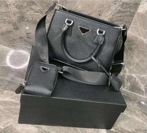 Style original Haute Qualité véritable cuir véritable 20sses Femme Sac à main sac à main sacs à main Messenger Sacs Classic Triangle Lettre Sacs Messenger Messenger