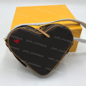 Valentine Gift Designer Forma Coração Crossbody Poker Imprimir Crossbody para Gameon Gameon Cross Body Bag vendido com caixa 57465