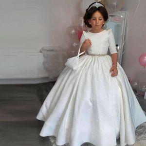 Vintage White Princess Flower Girls Dresses O Neck Half Sleeve Crystal Belt Open Back Infant Communion Gown