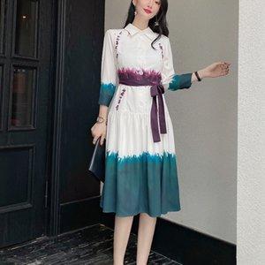 2021 Осенняя новая стиль ретро принт ремень тонкой регулировки дрожания рубашки средние длины платье высокое качество женское мода E6MQ
