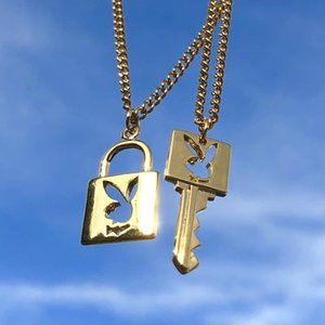Ins Hot Playboy Bunny Lock Necklace Key Stainless Gold for Women Couple Necklaces Harajuku Gothic Unisex Lovers Couple Rabbit Collares Mujer