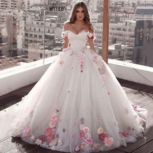 2020 White Off Shoulder Quinceanera Ball Gown Tulle 15 anos Flowers Fluffy Dresses Sweet 18 Vestidos Elegant Prom Dress Q1110