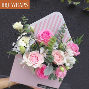 BBJ WRAPS Lovely Hand Hold Envelope Flower Pot Bouquet Packaging Florist Valentine's Day Festival Rose Boxes 5pcs lot Y1128