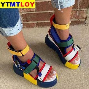 2021Big Größe 44 Mode Dame Klette Plattform Casual Thread Sandalen Offene Zehe Schnalle Sandalen Frauen Sommerschuhe Frau Keile # VL1I