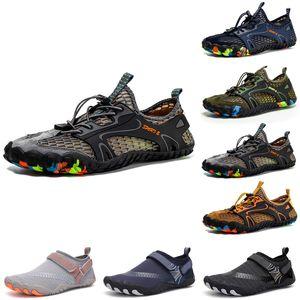 Hotsale Mens Womens Wading Shoes Platform Designer Trainer Triplo Black Black Bianco Bianco Fashion Breath Outdoor Men Donne Sport Sneakers Dimensioni 3
