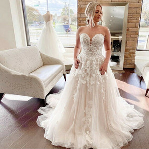 Plus Size Wedding Dresses Strapless Sweetheart Neckline Floral Pattern Appliques Lace A Line Bridal Gowns Custom Size
