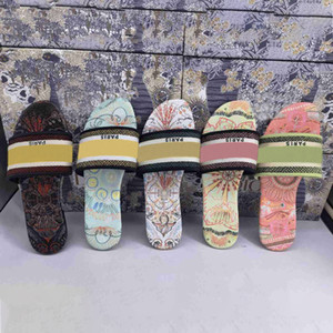 2021 new Women Sandals Slippers Embroidery Sandal Floral Brocade Flip Flops Striped Beach Genuine Leather Dazzle Flowers Slipper with box