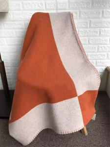클래식 캐시미어 담요 크로 셰 뜨개질 소프트 양모 베개 케이스 휴대용 따뜻한 격자 무늬 소파 베드 양털 니트 Towell 케이프 140x170cm 담요를 던져