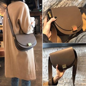 2020 new cowhide handbags fashion horseshoe buckle shoulder diagonal semicircle bag retro cowhide wide shoulder strap saddle bag