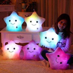 LED-glänzende fünfzackigen Stern-Kissen-kreative Hand-förmigen Bürste Herz Mond Reißzahn Bär Plüschtier LED fünfzackigen Stern