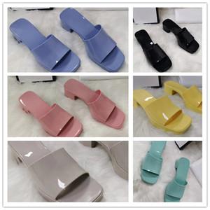 최신 2021 고품질 디자이너 높은 발 뒤꿈치 젤리 여성 신발, 두꺼운 상자로 size35-41 유행 컬러 슬리퍼 슬리퍼 굽