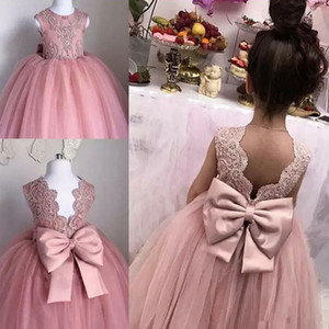Lovely Lace Flower Girls Dresses Back Bow Tulle Appliques Girls First Communion Dresses Cute Holy Child Brithday Party Gowns