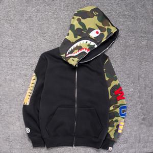 NOUVEAU Vêtements Hommes Sweats à Sweats à Sweats à Sweats Gris Camouflage Shark Imprimé Hommes Mode Coton Coton Sportswear Inner Fleece Sweat-shirt à capuche