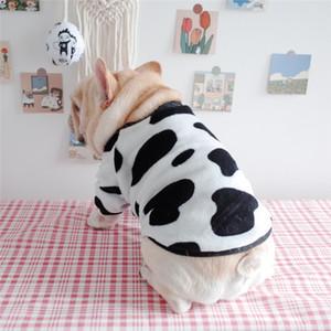 New Pet Otoño Invierno 2021 Ropa Grasa Ropa de perro Cálido Coral Fleece Vaca Imprimir Pajar Pajamas