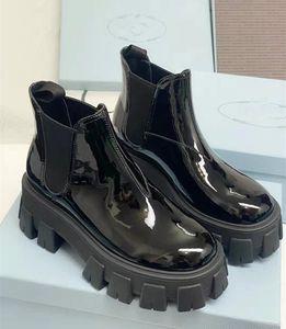 Hot Designer Mujeres Zapatos Moda Botas británicas Redondo Toe Martin Botas Patente Cuero Grueso Fondo Redondo Toes Perfecto Calidad oficial
