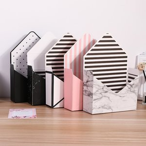 Creative environmentally friendly white cardboard envelope folding flowers rose soap flower gift box packaging Christmas carton
