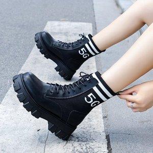 2020 الأحذية الأحذية النسائية النساء الأحذية الكاحل جديد الخريف النمط البريطاني الجلود منصة مسطحة مع أحذية قصيرة دراجة نارية