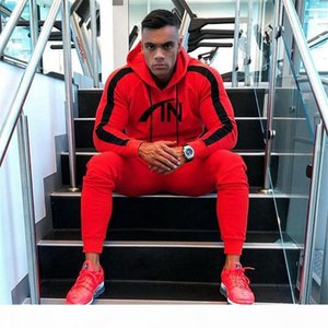 Hiphop Mens Striped Slim Tracksuits Designer Hoodies Pants 2pcs Clothing Sets Spring Autumn Sports Patchwork Suits