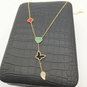 Fábrica de joyería directa collar de la cadena de las señoras de la moda hermosa láser cortada plateado hoja de titanio flor de flores manzana esmeralda collar colgante