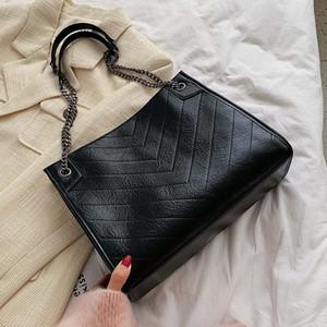 금속 체인 스트랩과 여성을위한 도매 2020 새로운 스타일 패션 크로스 바디 가방 진짜 송아지 가죽 여성용 패딩 카세트 핸드백