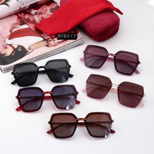 2021 أعلى الأزياء sunglasse الجملة جودة عالية uv400 عدسة الرجال نظارات المرأة النظارات الشمسية مع صندوق خفيف الوزن