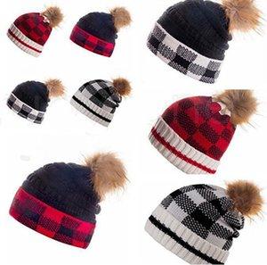Impresión a cuadros Gorros de punto Pomarías de Navidad Pomaras de invierno Beanie Hat Outdoor Ski Ski Ski Gorros Headwear Headwear Warm Knit Faux Fur Party Hat IIA915