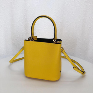 Women's bags, high-grade high-quality bags, a full range of types, dear welcome to order and contact 67946678