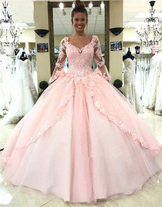 Designer Long Sleeves Ball Gown Quinceanera Dresses Train Lace Appliques Beads Tulle Princess Birthday Party Gowns Sweet 16 Dress 15 Years