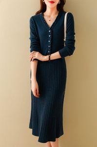 Fashionable Senhoras Full-Wool Wool Wood Orelhas V-Neck Plissado Meados de Alta Qualidade Vestido de Alta Qualidade Soft Close-Fitting Vestido Casual Sexy Saia Longa