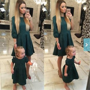 Dresses Fashion Family Matching Outfits Slim Mother and Daughter Clothes Green Half Sleeve Christmas Dress C0232