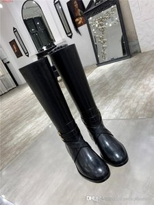 Womens Classic black leather knee Boots, fashionable boots,Slip-on Leather sole low heel Half boots Original packaging