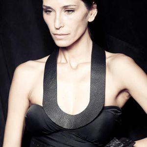 New Luxury Fashion Leather For Women Pendant Necklace Simple Long Necklaces Leather Punk Black Necklaces Clothes Accessories