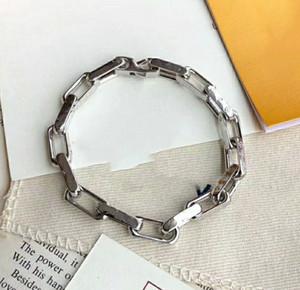 Мода Mans Beacelet для женщин Оберните манжеты Сплавные браслеты с сплавом Пряжка Пара Природные украшения с коробкой