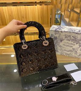 2021 En İyi Prenses Lady Kadınlar Moda Vintage Debriyaj Çanta Çıkarılabilir Rozet Geniş Bant Patent Deri Timsah Elmas Debriyaj Yeni Çanta