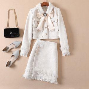 Леди шерсть 2 кусок набор зимних женщин Diamond Bow Gold одиночная погружная короткая твидовая куртка пальто + кисточка карандаш юбка костюм N9330 201027