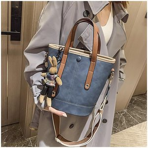 2020 New High-Level Sense Pu Women's Bag Large-Capacity Single-Shoulder Oblique Fashion Brand Design Luxury Ladies Bucket Should