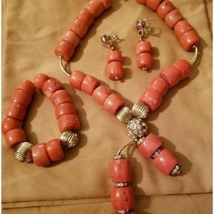 Fashion Natural Coral Pendant Necklace Set New Original Coral Bridal Jewelry Set for Women African Wedding Beads ABH797 Z1201