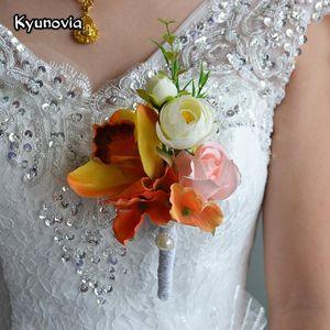 Kyunovia Wedding Prom Handgelenk Corsages Armband Braut Handgelenk Blume Bräutigam Brautjungfer Groomsmen Boutonniere Hochzeit Boutonniere FE14