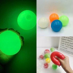4pcs Balls Throw on Soffitto Squash Bal Globbli Giocattoli Decompressione Giocattoli Sticky Ball Obiettivo Q6Fa