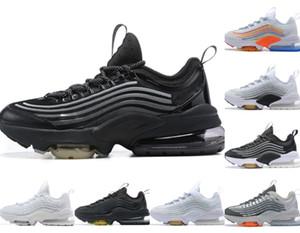 2021 NUEVO MENS ZM950 Zapatillas para correr Mujeres 950s Neon Triple Black Oreo Silver Blanco Arco iris para mujer Repariadores para hombre Sneakers Chaussures Deportes