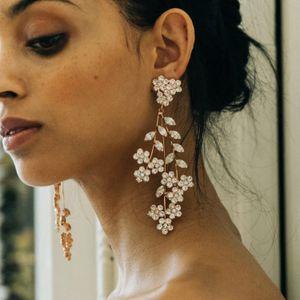 GLAMing Fashion Wedding Earrings for Brides Crystal Jewelry 2020 Flower Gold Dangle Zircon Earrings for Women Luxury Statement Z1128