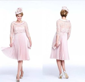New Arrival Cheap Pink Mother Of The Bride Dresses Scoop Neck Lace Appliqued Knee Length Wedding Guest Dress 3 4 Long Sleeves Mother Gowns