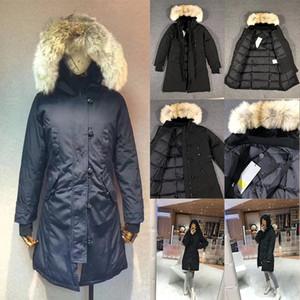 2020 Nuevos diseñadores para mujer Invierno Abrigos de invierno Down Parkas Outerwear ropa con capucha Capucha Convocadora Mujeres Cálido Gran Piel Mujer Ropa Ropa Abajo Chaquetas