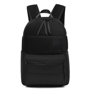 Mochila de la marca de la marca para las mujeres MEJORES Paquete trasero espacioso de calidad para las señoras bolsas de diseño de nylon laptop para la bolsa de la bolsa de la bolsa de la bolsa de envío